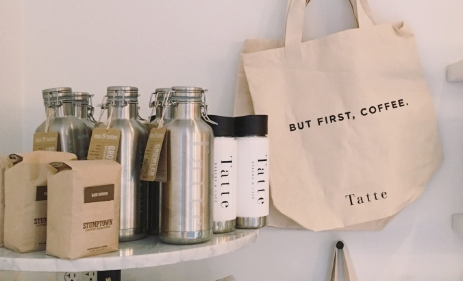 bags-bottles-business-880459_pexels